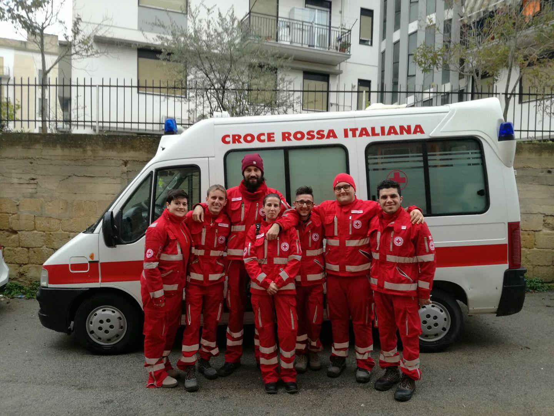 Volontari-CRI-di-Serradifalco-con-il-referente-Filippo-Giardina